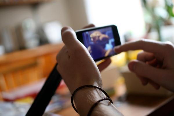 Come creare video a basso budget e metterli online per il proprio lavoro